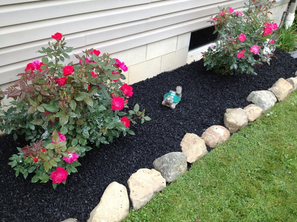 Flower Beds In Front Of House 136 - decoratoo