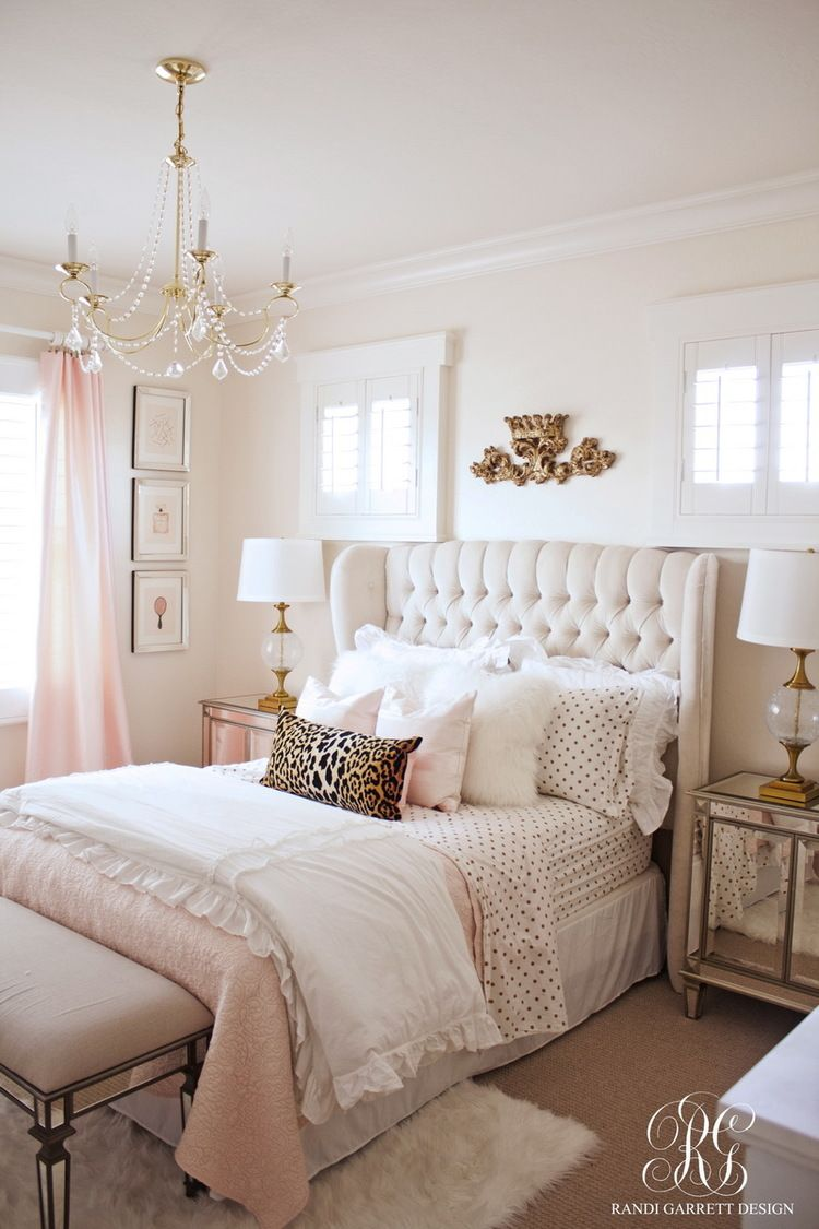 pink white and gold bedroom 44 decoratoo. Black Bedroom Furniture Sets. Home Design Ideas