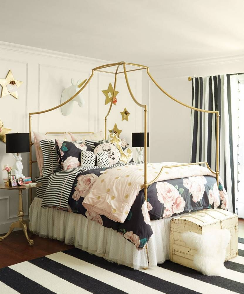 Pink White And Gold Bedroom 26 - Decoratoo